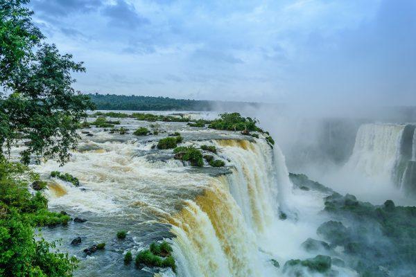 waterfall-1417104_1920